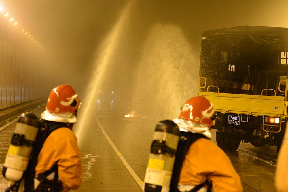 Diễn tập giải cứu 30 người bị mắc kẹt ở hầm Thủ Thiêm