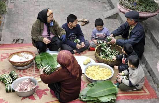 'Ai đòi rút ngắn Tết, chắc không phải người Việt'