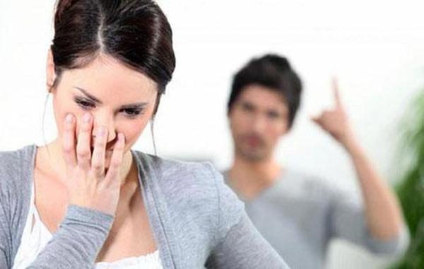 Bản kê khai khiến cô dâu hốt hoảng trong đêm tân hôn