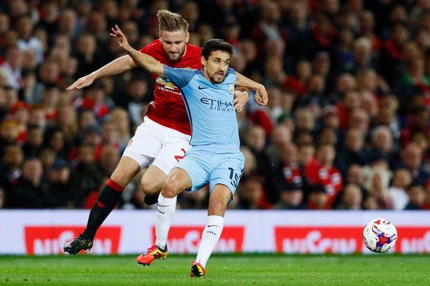 Mourinho chỉ đích danh 2 'ông kễnh' từ chối ra sân