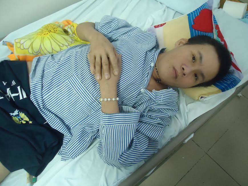 Cha liệt giường, con lớn bệnh tim, con út tai nạn hoại tử chân