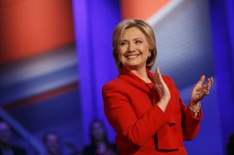 Hillary đổi kế hoạch ăn mừng nếu đắc cử