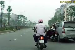 Truy tìm lái xe Innova húc ngã xe máy rồi bỏ chạy