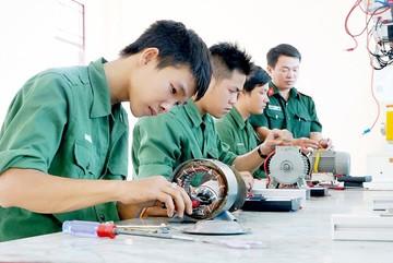 Hơn 500 trường CĐ, TCCN chính thức về Bộ Lao động