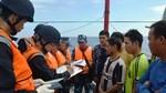 Cảnh sát biển Việt-Trung kiểm tra liên hợp nghề cá vịnh Bắc Bộ