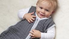Trẻ sơ sinh mặc gì khi ngủ vào mùa đông?