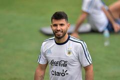 Aguero và Rojo bị gạt khỏi đại chiến Brazil vs Argentina