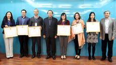 Khen thưởng Đoàn công tác Việt Nam dự Đại hội UPU