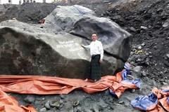 Phát lộ khối ngọc quý nặng 175 tấn, giá hàng trăm triệu USD
