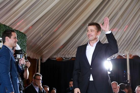 Brad Pitt lần đầu xuất hiện trên thảm đỏ cùng 'người tình' tin đồn