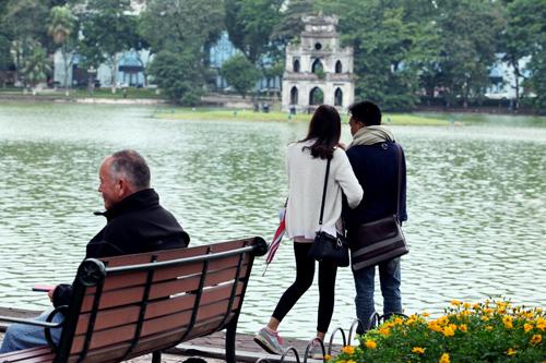 Tình yêu thi vị trong cái lạnh đầu mùa ở Thủ đô