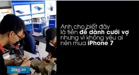Bình Dương: Vác bao tải tiền lẻ đi mua iPhone 7