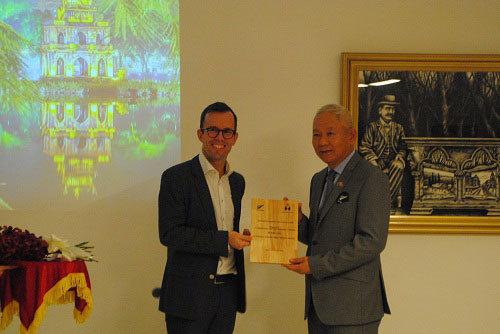 Đại sứ New Zealand hiến kế cho giáo dục Việt Nam