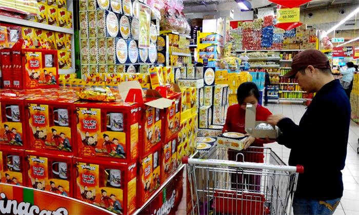 cửa hàng tạp hóa, cửa hàng tiện ích, siêu thị mini, bán lẻ truyền thống, kênh bán hàng trực tuyến, bán lẻ ngoại, đại gia bán klẻ, thị trường bán lẻ Việt Nam