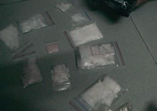Chị em ruột dấu ma tuý trong két sắt bán cho con nghiện