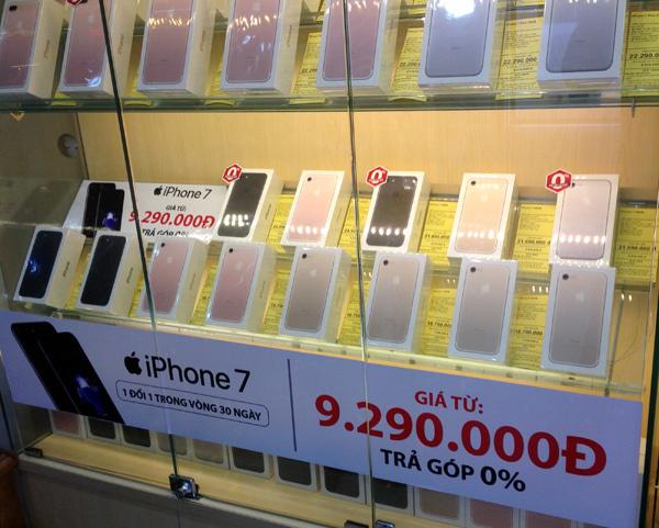 Mở bán iPhone 7 chính hãng: Hết hot, không còn cảnh xếp hàng