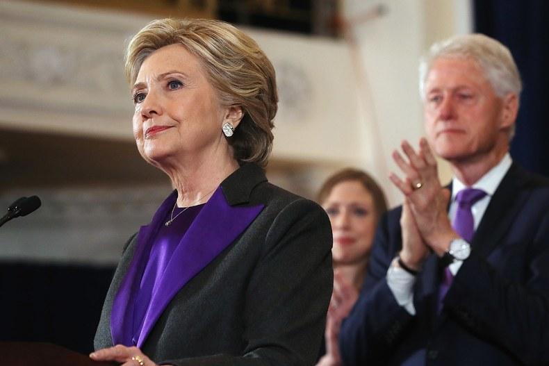 Hàng triệu người Mỹ kêu gọi đại cử tri chọn Hillary