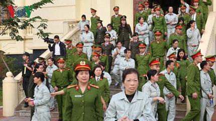 110 bị cáo tham gia sới bạc khủng ở Đông Triều lãnh án