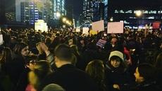 Cố vấn của Trump mong Obama, Hillary phản đối biểu tình