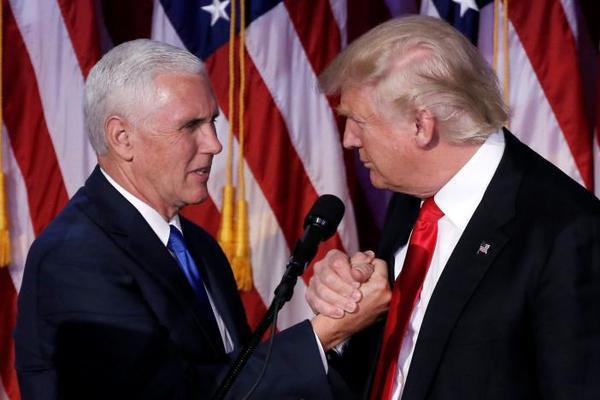 Trump bất ngờ đổi 'tướng'
