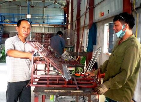 Nông dân Thái Bình chế máy cấy lúa, thua gì Âu - Nhật