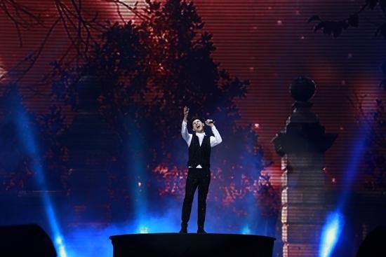 Sân khấu lớn nhất TP.HCM 'vỡ trận' vì Noo Phước Thịnh