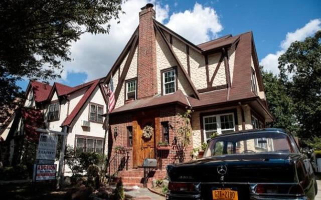 Nhà cũ của Donald Trump hạ giá nhưng vẫn ế