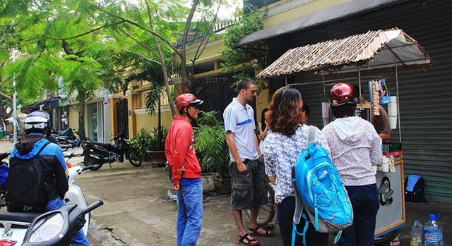 Ông chủ Pháp bán cà phê 15.000 đồng một ly ở Sài Gòn