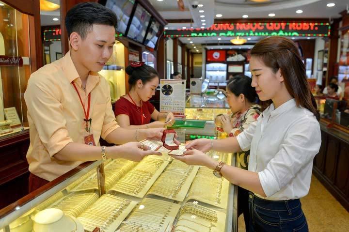 Donald Trump, đắc cử Tổng thống Mỹ, giá vàng, giảm sâu, người Việt, thua lỗ, mua vàng, tích vàng