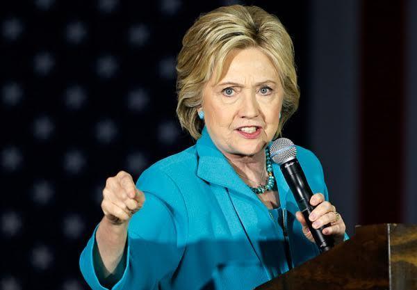 Hillary đổ lỗi thất cử cho FBI