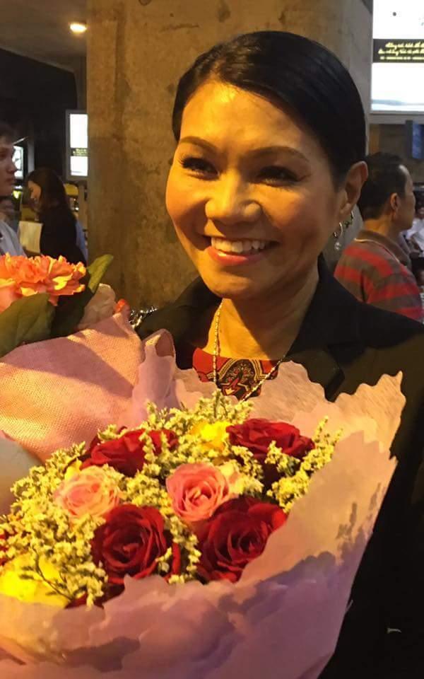 NSƯT Ngọc Huyền bất ngờ về Việt Nam sau 14 năm ở Mỹ