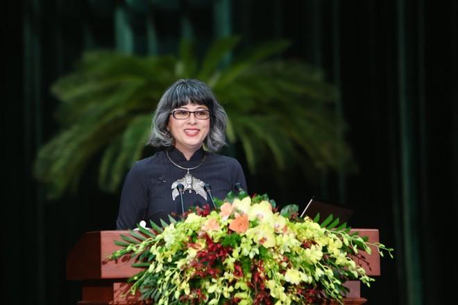 Giáo sư gốc Việt: 'Trong tôi 100% nước mắm'