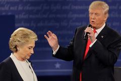 Trump sẽ khởi tố Hillary?