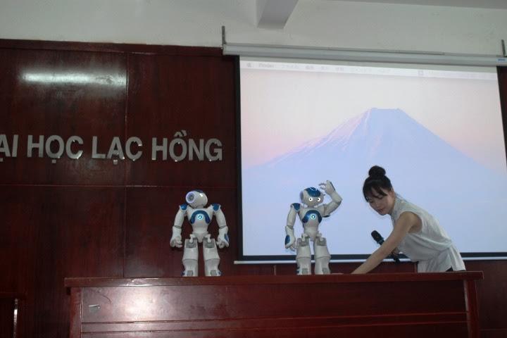 robot, nhật bản, đại học Lạc Hồng, dạy ngoại ngữ