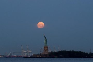 Siêu mặt trăng có thể khiến con người phát điên?