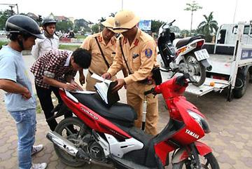 Từ 2017, phạt người đi xe máy không sang tên đổi chủ