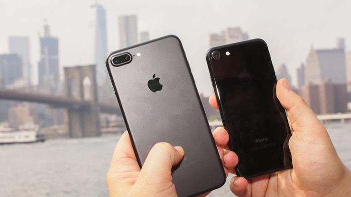 Apple ra mắt 2 phiên bản iPhone 5,5 inch vào năm sau
