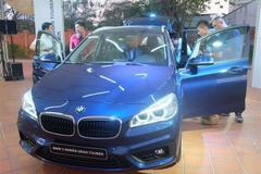 Ôtô Việt Nam đắt gấp 3 lần Mỹ: Campuchia rẻ hơn