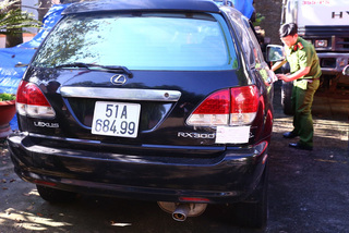 Phát hiện 6 xe sang hiệu Lexus, Camry xài giấy giả