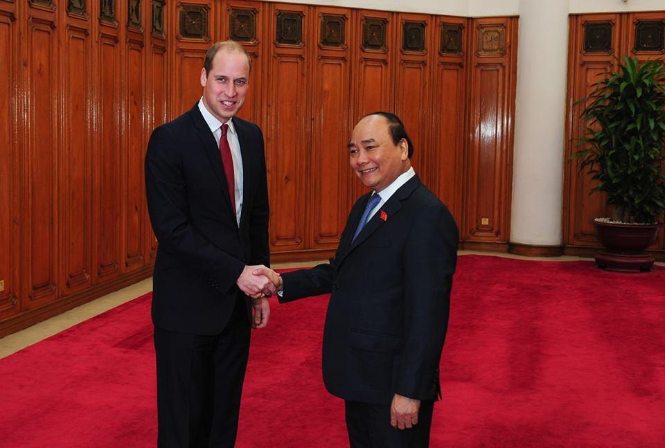 Thủ tướng tiếp Hoàng tử Anh William