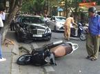 Hà Nội: Một ngày 2 vụ xe điên tông 5 người nhập viện