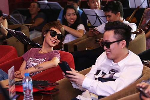 Tuấn Ngọc hát lại ca khúc từng song ca cùng vợ
