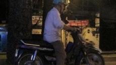 Câu chuyện buồn: Bác tài xế già cả ngày không chạy được một cuốc xe ôm chỉ vì công nghệ