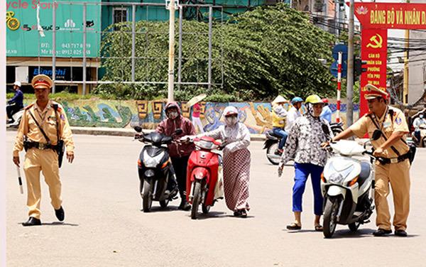 Xe không chính chủ: Lỗi tại Hà Nội?