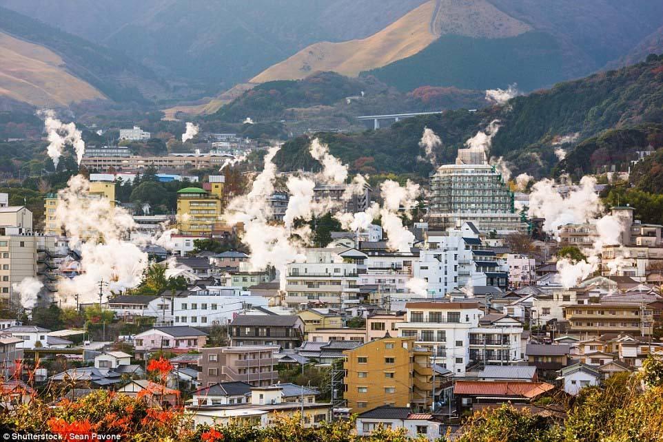 Thị trấn 'sôi sùng sục' ở Nhật Bản