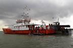 Vụ chìm sà lan: Thợ lăn trắng đêm tìm nữ thuyền trưởng