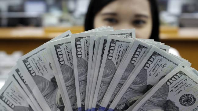 Tỷ giá ngoại tệ ngày 19/11: USD mạnh nhất trong 13 năm