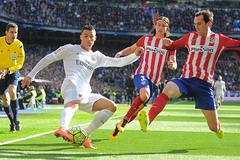 Derby Madrid: Ronaldo sợ Simeone như thế nào?
