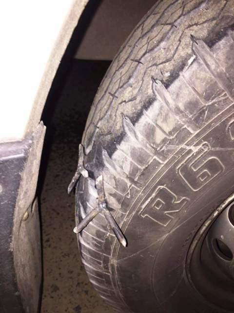 Qua Thanh Hóa, ô tô liên tục dính 'bẫy đinh' trên Quốc lộ 1