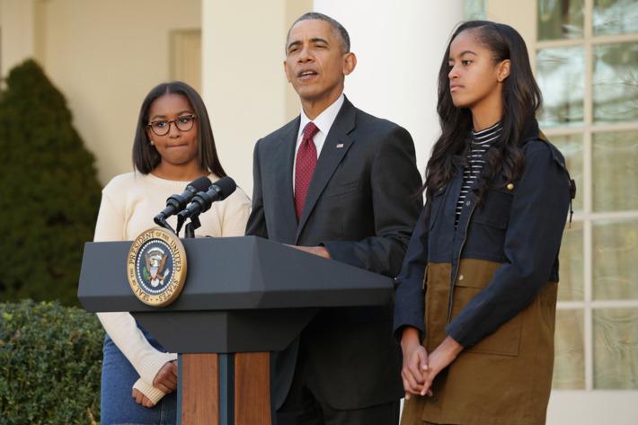 Tổng thống Obama nói gì với các con sau khi Trump thắng cử?